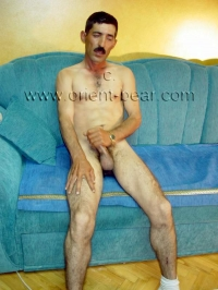 He is a sexy naked kurdish man,
