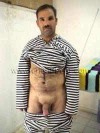 naked kurdish prisoner
