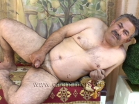 a horny naked older turkish Silverdaddy with a hard Cock and a Belly to hug.