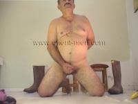 His body is strong with little body hair. He has a figure like a turkish bear. In this turkish gay video he comes straight from the field to jerk off during his break. He always has his very hard cock in his pants when he comes.