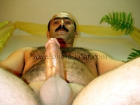 He is a horny naked ottoman turkish Man from the Orient,