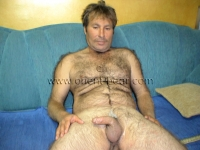 A hairy like a Monkey an original furry turkish Bear with a big Cock and very loud Cumshot in a horny turkish Gay Video. His furry Body is totally hairy from top to bottom, he has Fur like a Bear.