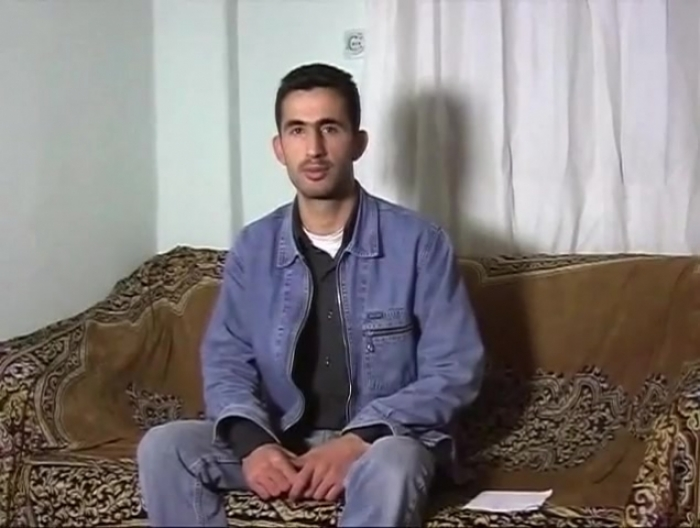 Mobil-82 - a young Kurdish man masturbates in a turkish gay video. (id1461)