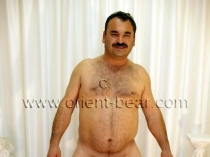 Latif - is a strong turkish Bear with a horny big Butt. (id292)