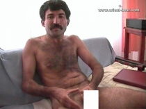 Haci - is a young kurdish Man with a very hairy Butt (id781)
