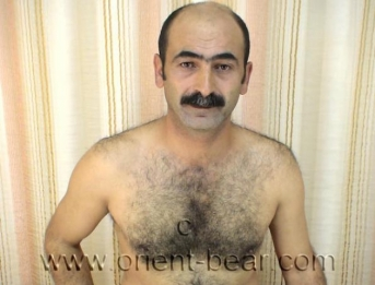 Caylar - a turkish Daddy with a lazy Orgasm and very white Sperm (ID114)