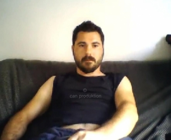 Vicdan - a romanian Turk with a hot Face and he enjoys playing with his Cock