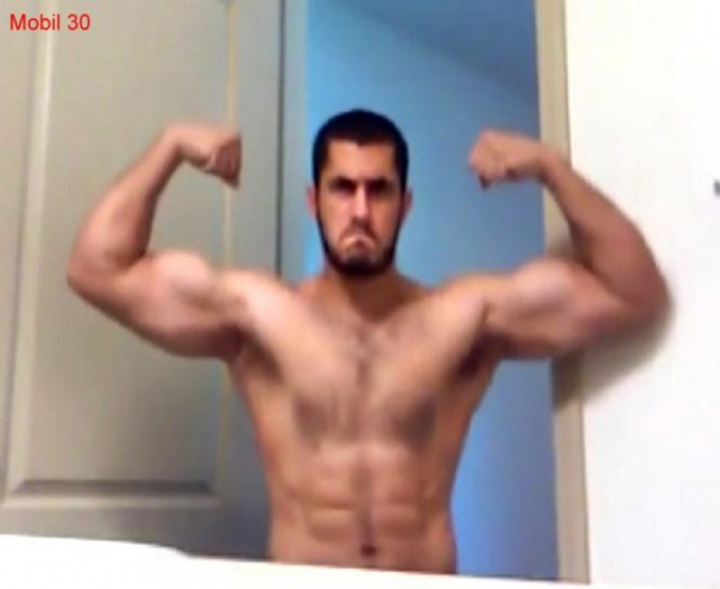 Mobil-30 - is an Iraqi Soldier wanking at Home