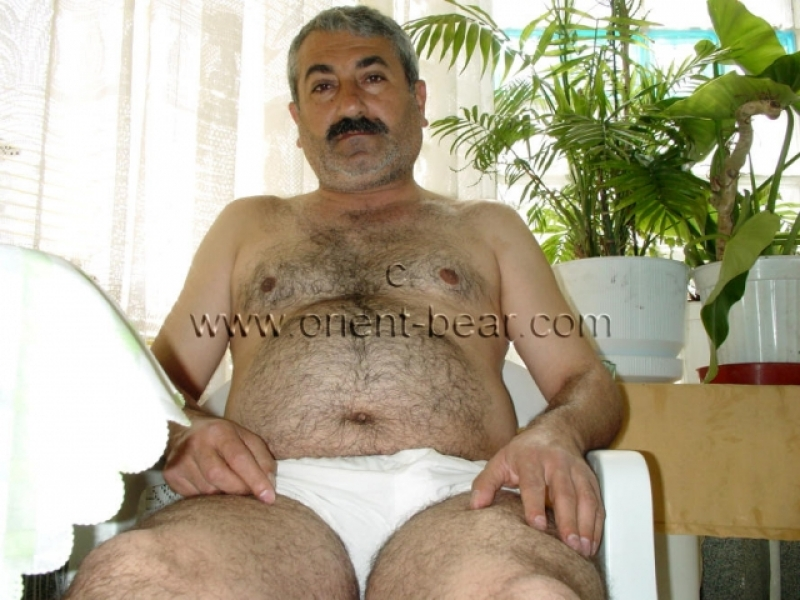 Hayder - a naked turkish older Man with a big Cock in a turkish Gay Porn Video. (id132)
