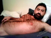 Ferdi - a very hairy kurdish bear wanks naked in bed and also shows his fully hairy butt in goggy style. (id1517)