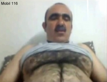 Mobil-116 - a kurdish gay video with a very hairy older iraqi man. (id1557)