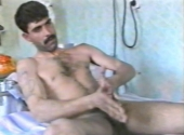Malo - a Naked Bulgarian Turk has a very strange wanking Style in a Turkish Gay Video. (id1559)