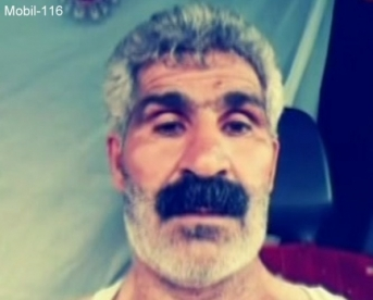 Mobil-118 - an erotic Older Iraqi Truck Driver jerks off in the truck chatting in a kurdish gay video.