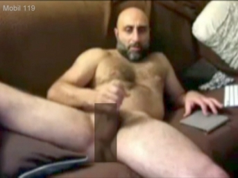 Mobil-119 - a naked older Hairy Turkish Bear with a big cock jerks off in a turkish gay video. (id1570)
