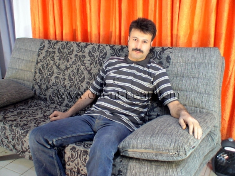 Hakan S. - a very hairy Turk with a long big Cock and a huge big black Bush to see in a turkish Gay Video. (id21)