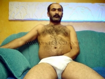 Caylar - a hairy turkish man with a super muscular figure has a lot of pressure during orgasm with a lot of sperm. (id28)