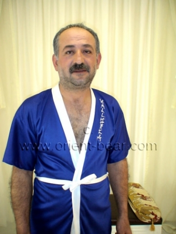 Java - is a sexy haired turkish Bear with a lot of pressure on the Cum (ID381)
