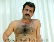 Selahattin - a horny naked hairy turkish man with a very big cock and an intense orgasm to see in a hot turkish gay video. (id385)