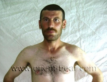 Erol is a very erotic turkish kurdish Man with very hairy Ass Hole (ID388)