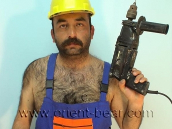 Ezgi - is a very hairy turkish Bear as construction worker in yellow Rubber Boots (id499)