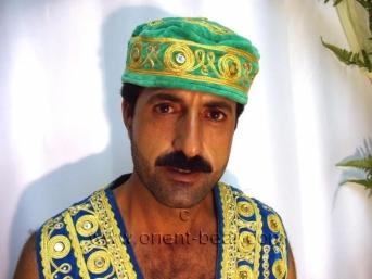 Faruk E. - is a very tall, very hairy Kurdish Man, with a big Cock (id558)