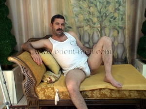 Hasret - a young naked kurdish man with crunchy ass and intense orgasm in turkish gay video. (id573)