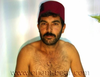 Kutay - a kurdish gay video with a naked kurdish man, with a long cock with a big cockhead. (id693)