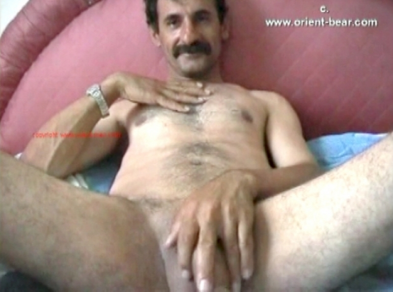 Abdul K. - a kurdish man with a very big cock lies naked in bed and jerks off. (id782)
