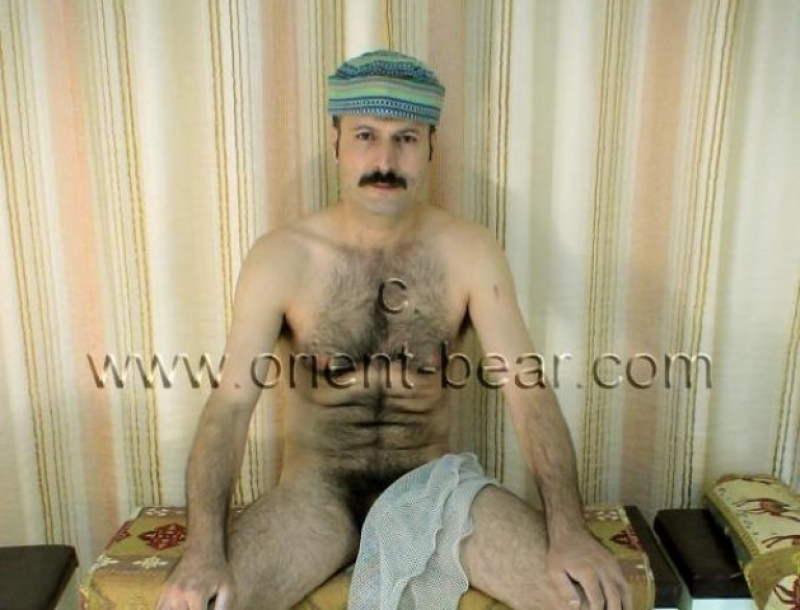 Hakan S. - a very hairy turkish Man with a big, very hard Cock. (id90)
