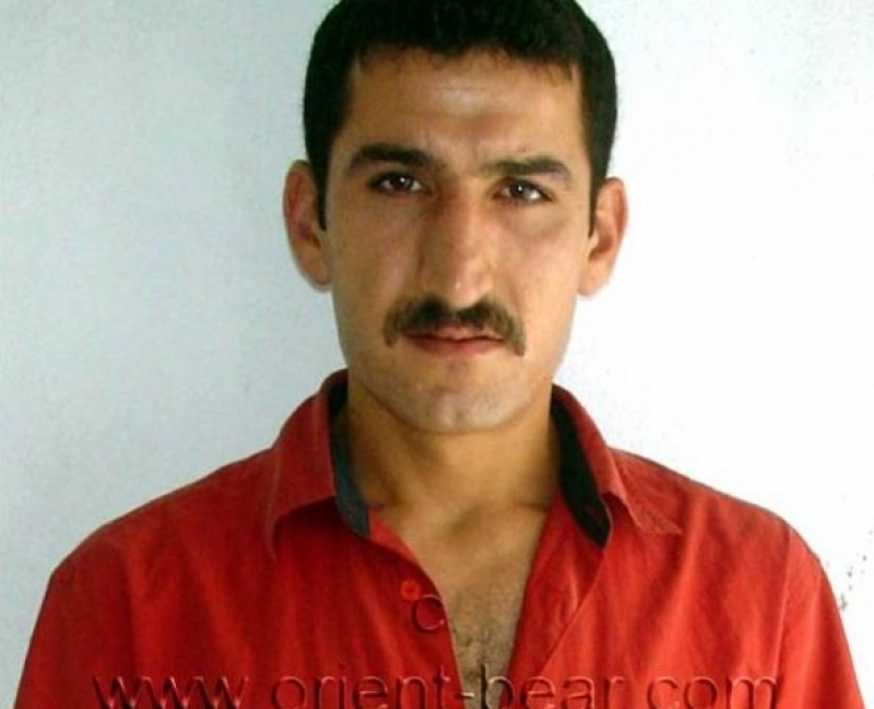 Mert is a big naked kurdish man with a big and fat cock in a horny kurdish gay video. (id91)