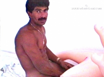 Fikret is an Iranian Man with a totally shaved Body with a stiff Cock.